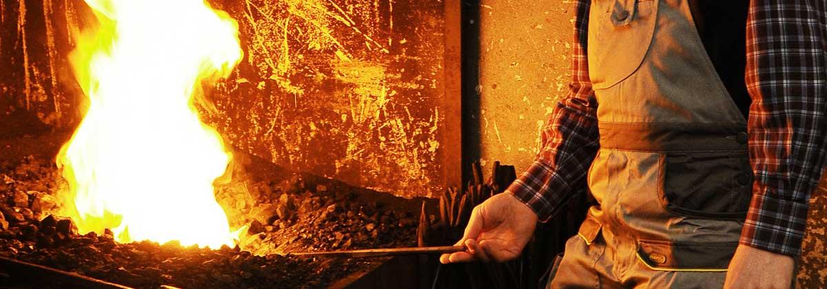 Mobili lavelli lavorazione portoni in metallo - Bagno prefabbricato costo ...